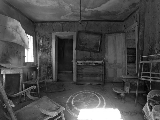 ghost-town-3689_640